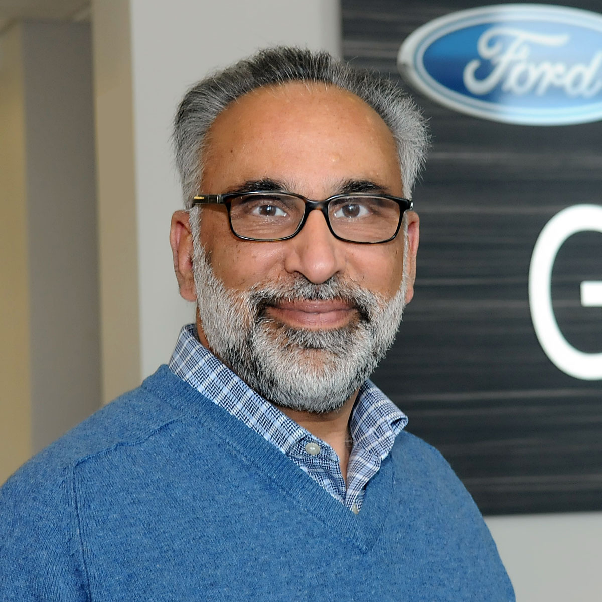 Nadeem Yousuf : New Vehicle Sales Manager
